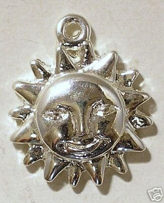 Charm smiling sun silver plated small 15mm X 2