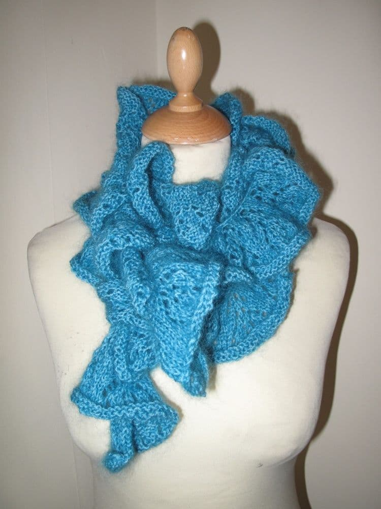 Curly lace boa - Pattern only
