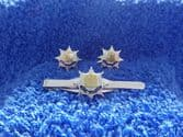 ROYAL ANGLIAN REGIMENT CUFF LINKS AND TIE GRIP / CLIP SET