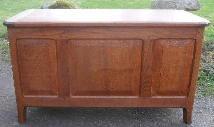 Arts & Craft Cotswold Oak Blanket Chest